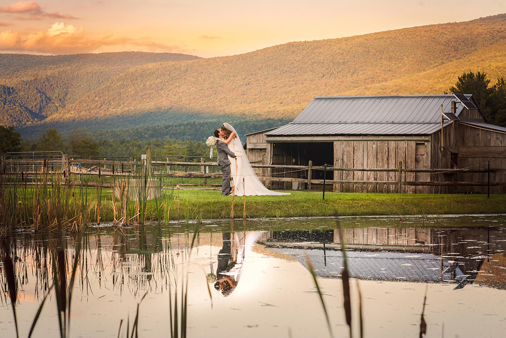 Destination wedding perfection in vermont vermont wedding junglespirit Image collections