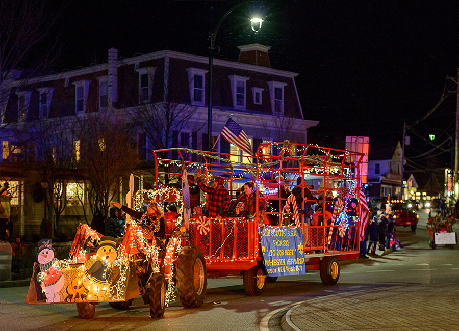 holiday-events-tractor-parade-2