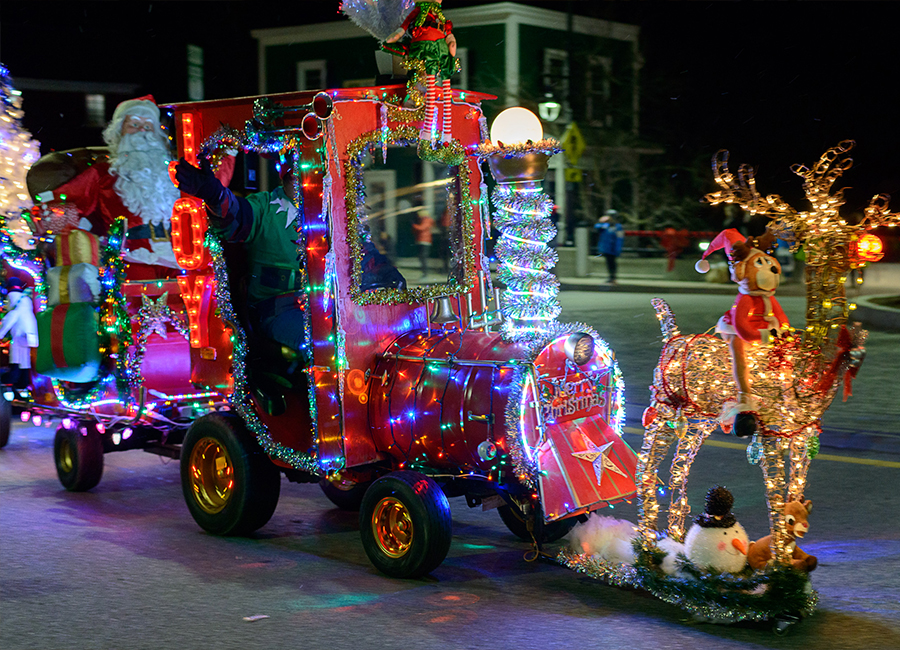 holiday-events-tractor-parade-1